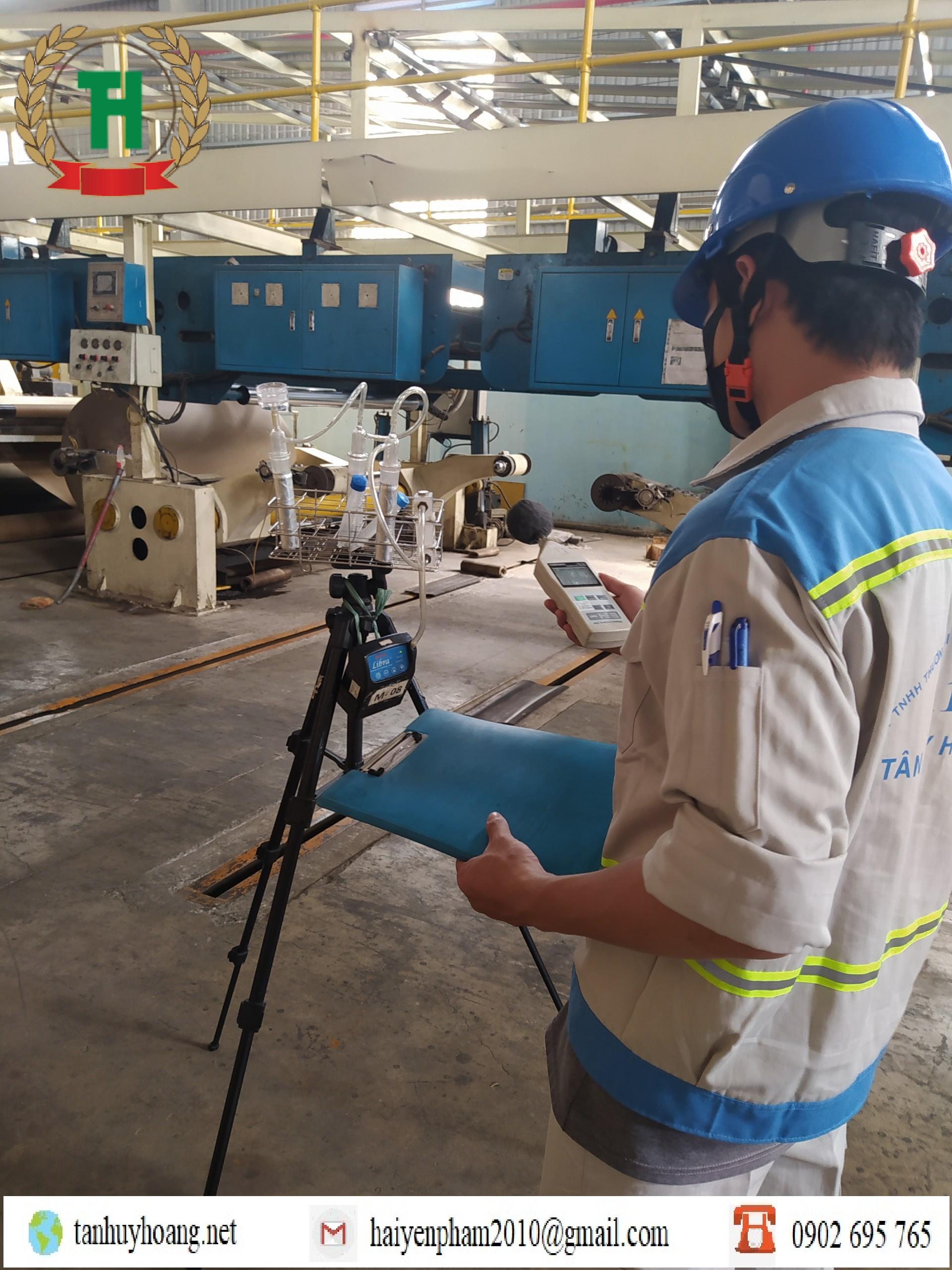 Quan trắc viên đo kiểm môi trường lao động