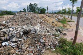 """TP Vinh (Nghệ An): Vẫn chưa có lời giải cho """"bài toán"""" rác thải xây dựng"""