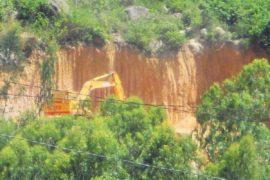 Khai thác đất trái phép – Dư luận phẫn nộ