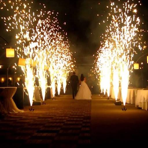 Lung linh ánh sáng trong đám cưới